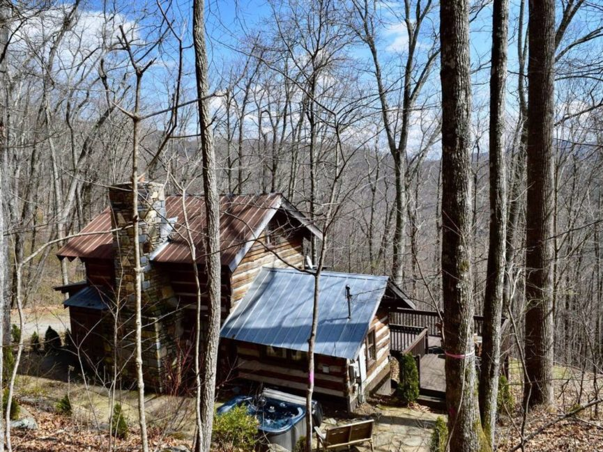 Log Cabin in WNC Mountains